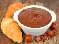 Рецепта Домашен течен шоколад Нутела